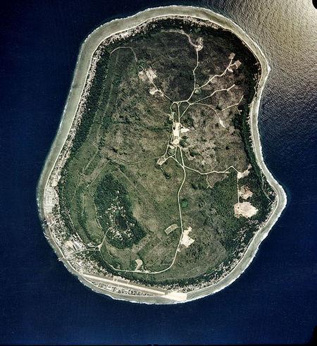 549px-nauru_satellite.jpg